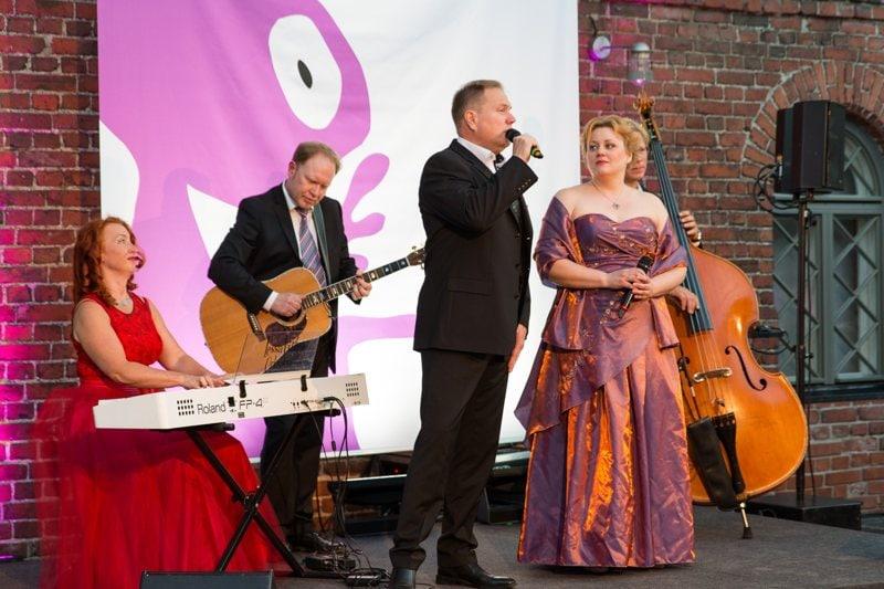 Laulavat Tarjoilijat 2016 Musiikkiesitys NFOG